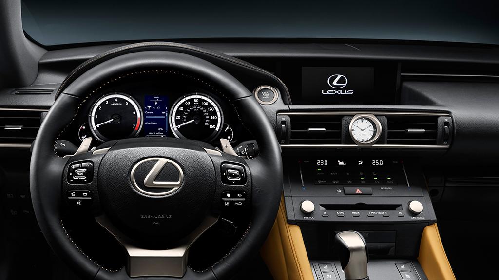 Lexus RC 300h Interior