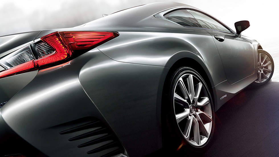 Lexus RC 300h trasera